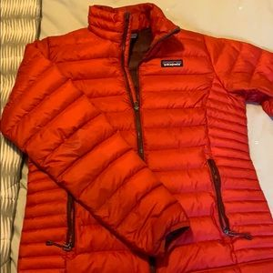 Like New Patagonia Down Sweater Jacket in Red